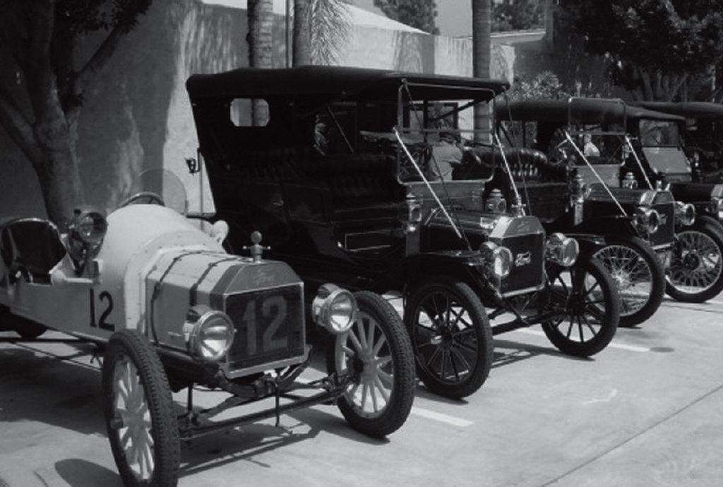 Vintage autos visit Agoura