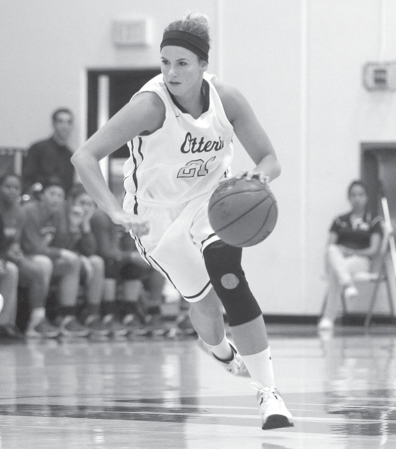 AT THE KELP BED—Jenna Bandy overcame two ACL tears in her playing career at Thousand Oaks High and Cal State Monterey Bay. Courtesy of Vernon McKnight Photography